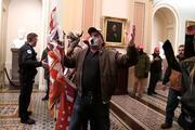 ABDde büyük kriz Göstericiler kongre binasını bastı... Silahlar çekildi