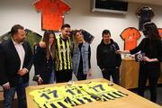 İrfan Can Kahvecinin Fenerbahçeye imza attığı o an Fotoğraflar...
