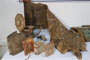 Şanlıurfada Ortaçağa ait ve Mısır kökenli olduğu değerlendirilen işlemeli piton derisi ve dini kitaplar ele geçirildi