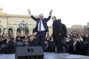 Ordu Paşinyanı istifaya çağırdı, Ermenistanda sokaklar hareketlendi