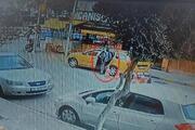 İzmirde hareketli anlar Taksiyi kaçırdı, kovalamaca ile yakalandı