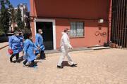 Antalyada aşı ikna timi devrede Yan etkilerden korkan Şaban dedeye ilk aşı yapıldı
