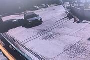 Büyükçekmecede otomobilin çarptığı cip devrildi