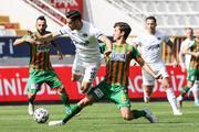 Kasımpaşa - Alanyaspor maçında Salih Uçan sakatlanıp hastaneye götürüldü