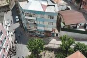 Fatihte kolonlarında çatlaklar oluşan 4 katlı bina boşaltıldı