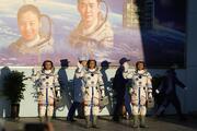 Son dakika... Çinin en uzun süreli uzay görevi başladı