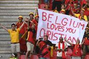 Danimarka-Belçika maçında Christian Eriksene destek