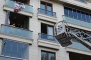 Sultangazide 5 katlı binada yangın: 5i çocuk 7 kişi kurtarıldı