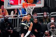 Milwaukee Bucks, Phoenix Suns maçında fotoğraflar Şampiyon Bucks...