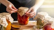 Mutfaklarda kışa hazırlık başladı İşte, kolayca hazırlayabileceğiniz birbirinden leziz turşu tarifleri