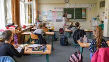 250 öğrenci, 32 öğretmen karantinaya alındı