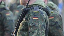 Almanya, Afganistan'daki askerlerin görev süresini uzatıyor
