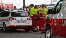 Norveç'te çalıntı ambulansla halkın arasında daldı