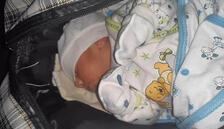 Çanta içinde 15 günlük bebek bulundu