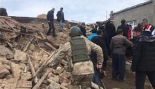 İran'daki şiddetli deprem Van'da yıkıma neden oldu
