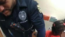 6 yaşındaki kız çocuğuna kelepçeli gözaltı