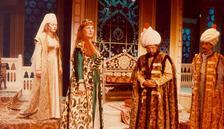 İstanbul Şehir Tiyatroları online devam