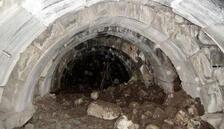 Kaçak kazıdan Roma zindanı çıktı