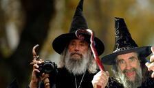 'Resmi büyücü' 23 yıldan sonra işten çıkarıldı!