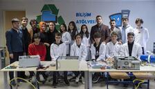 """Köy okullarına bilgisayar için """"Gönül Köprüsü"""" kurdular"""
