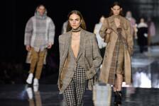 2020 Londra Moda Haftası Burberry Defilesi