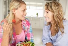 Ergenler ile sağlıklı iletişim kurmak için anne babalara öneriler