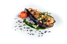 Vegitisyen'in Vegan Türk Mutfağından Vegan Karnıyarık Tarifi