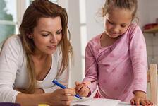 Çocuğu ödev yapmak istemeyenler buraya! Bu ipuçları size yardımcı olacak