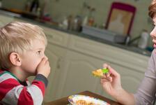 Çocuklara sağlıklı beslenme alışkanlığı kazandırmak için püf noktaları