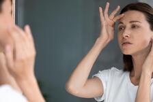 Yüzdeki yaşlanma belirtilerine karşı tedavi yöntemleri nelerdir?