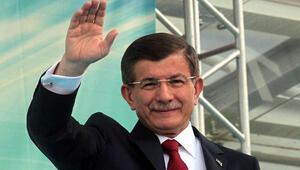 Başbakan Davutoğlu iş dünyasıyla sürpriz bir toplantı yaptı