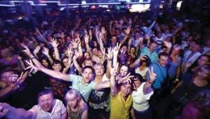 Antalya bu yıl daha ucuz, daha eğlenceli