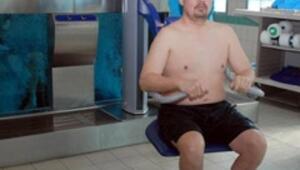Su içi treadmill tedavisiyle yürüdü