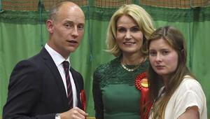 Danimarka Başbakanı Schmidtin eşi Kinnock İngilterede Parlamentoya giriyor