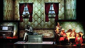 Elif Şafakın Baba ve Piç romanı sahneye uyarlandı
