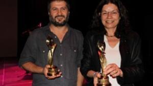 Kırmızı Lale Film Festivali'nde Tepenin Ardına ödül