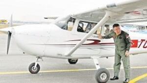 Motordan indi uçağa bindi