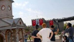 Haçlı Bizans bayrağı yerine Türk bayrağı