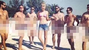 Toni Garrn 6 çıplak erkekle
