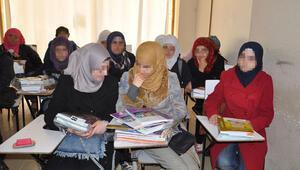 6 bin Suriyeli öğrenci okullarda