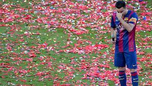 Xavi Barcelonaya gözyaşlarıyla veda etti