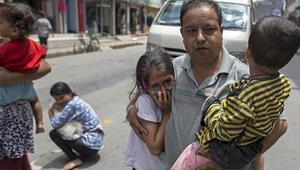 Nepalde 7,3 büyüklüğünde deprem