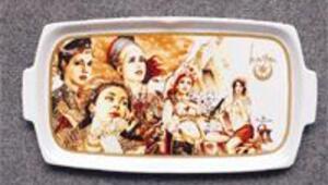 Harem'in sultanları zayıfladı porselen tabaklara resmedildi
