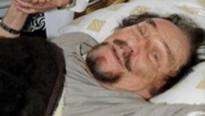 Karikatürist Bedri Koraman hastaneye kaldırıldı