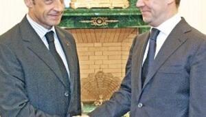 Sarkozy'nin 'Rus ruleti'
