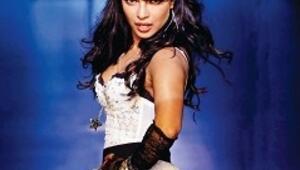 Bollywood kraliçesi podyumda