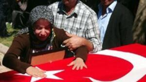 Şehit polis Gökhan Kuzuyu 5 bin kişi uğurladı