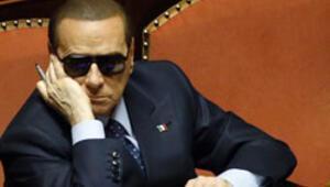 Berlusconiden hükümeti riske sokan adım