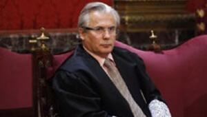 Pinochetyi yargılamak isteyen hâkim sanık makamında