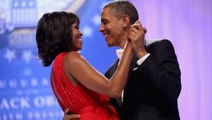 Obama çifti Sevgililer Gününü ayrı geçirdi